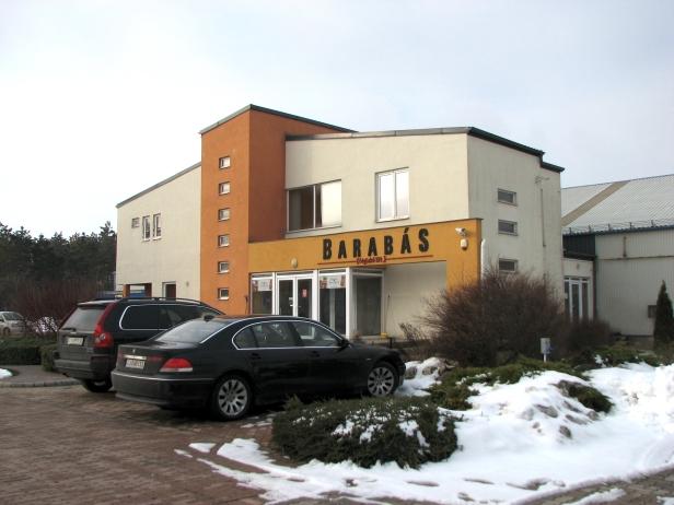 Barabás kő veszprémbeton Kft irodái és gyártó csarnok