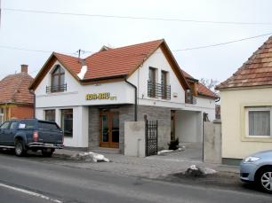 Ada Bau Kft üzlet és iroda Veszprém Pápai út